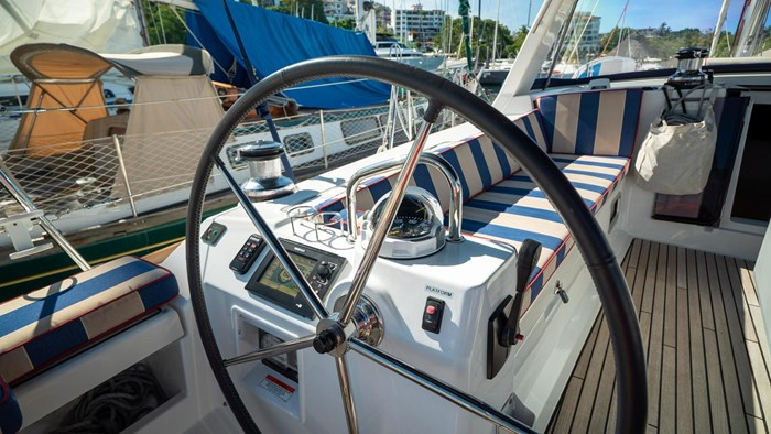 2013 Beneteau Oceanis Photo 14 sur 94