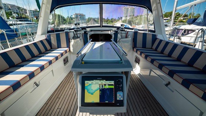 2013 Beneteau Oceanis Photo 18 sur 94