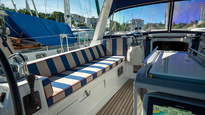 2013 Beneteau Oceanis Photo 19 sur 94