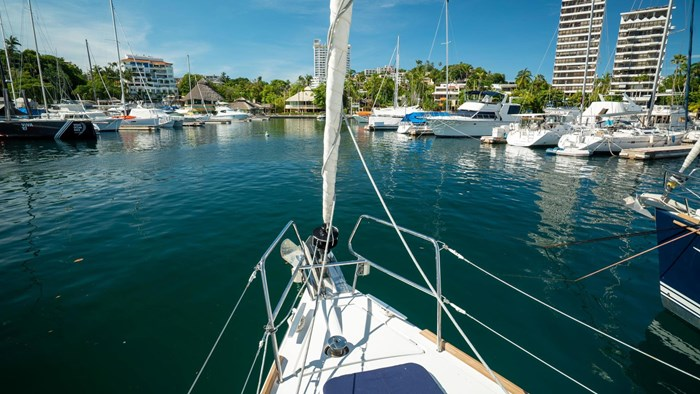 2013 Beneteau Oceanis Photo 49 sur 94