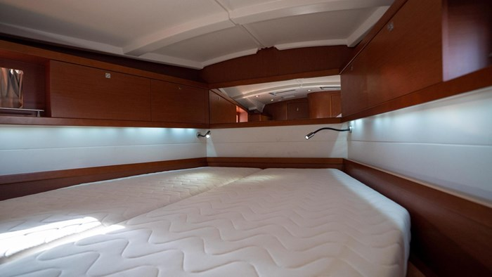 2013 Beneteau Oceanis Photo 58 sur 94