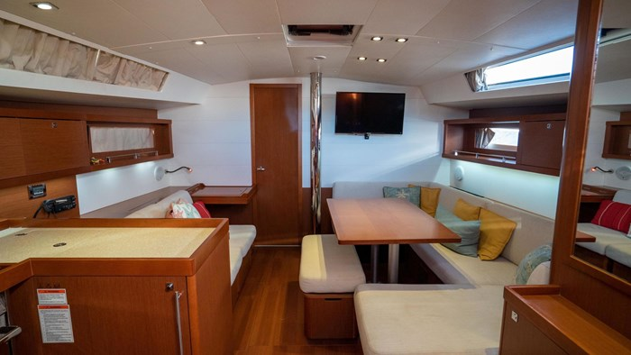 2013 Beneteau Oceanis Photo 59 sur 94