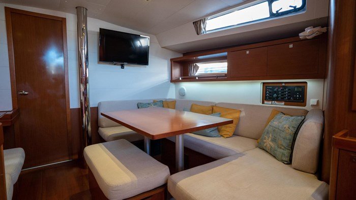 2013 Beneteau Oceanis Photo 60 sur 94