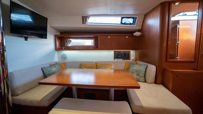 2013 Beneteau Oceanis Photo 61 sur 94