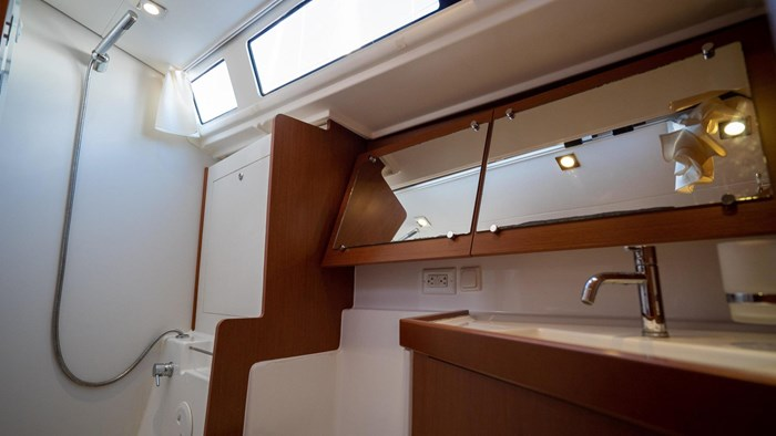 2013 Beneteau Oceanis Photo 63 sur 94