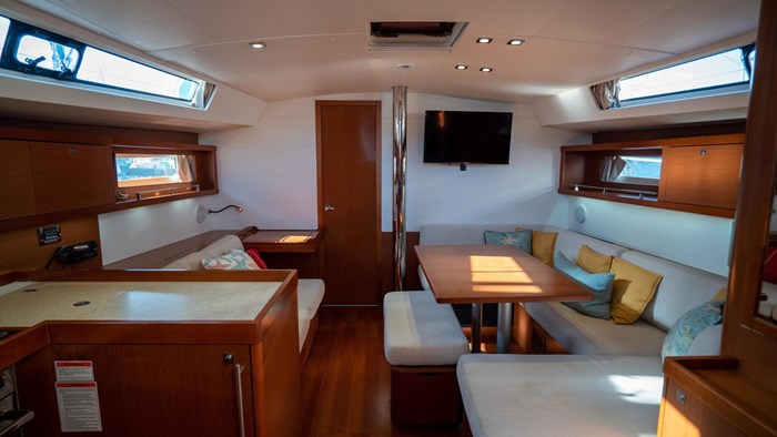 2013 Beneteau Oceanis Photo 68 sur 94
