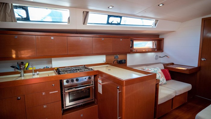 2013 Beneteau Oceanis Photo 69 sur 94