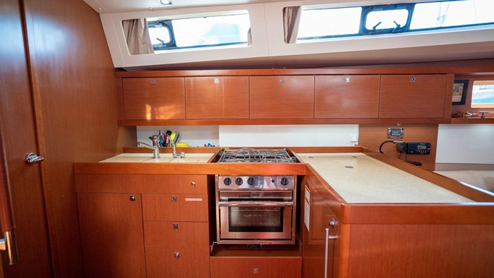 2013 Beneteau Oceanis Photo 70 sur 94