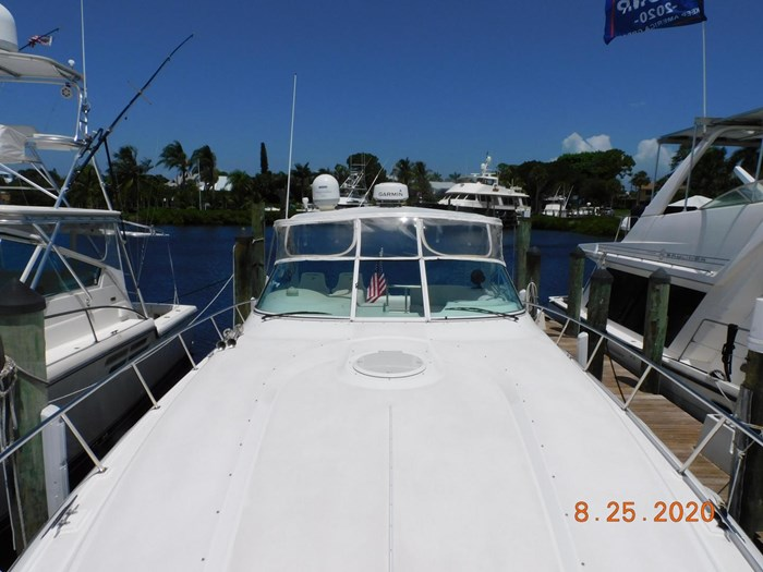 1997 Cruisers Yachts Express Photo 2 sur 35