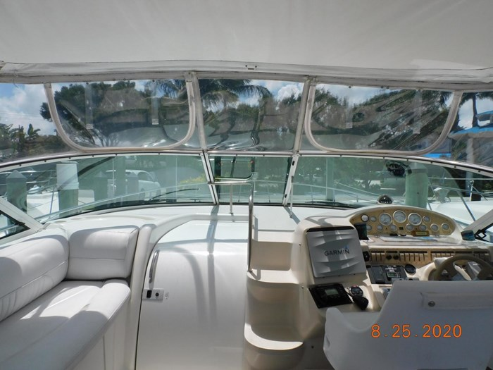 1997 Cruisers Yachts Express Photo 7 sur 35