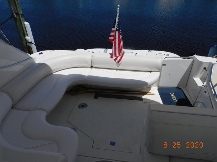 1997 Cruisers Yachts Express Photo 9 sur 35