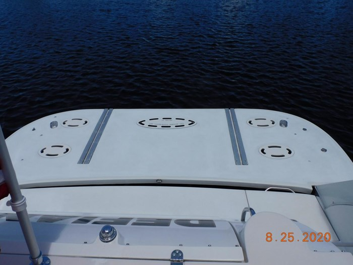 1997 Cruisers Yachts Express Photo 11 sur 35