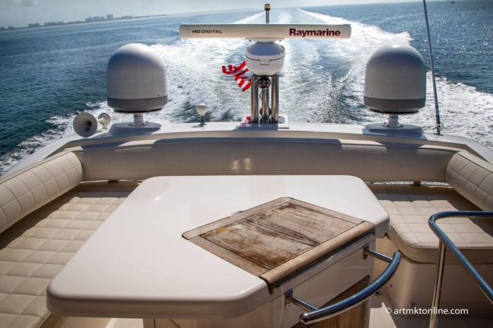 2009 Azimut Flybridge Photo 8 sur 75