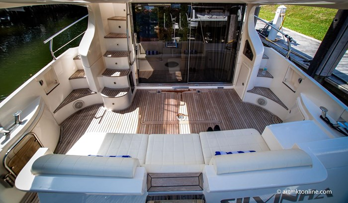 2009 Azimut Flybridge Photo 18 sur 75