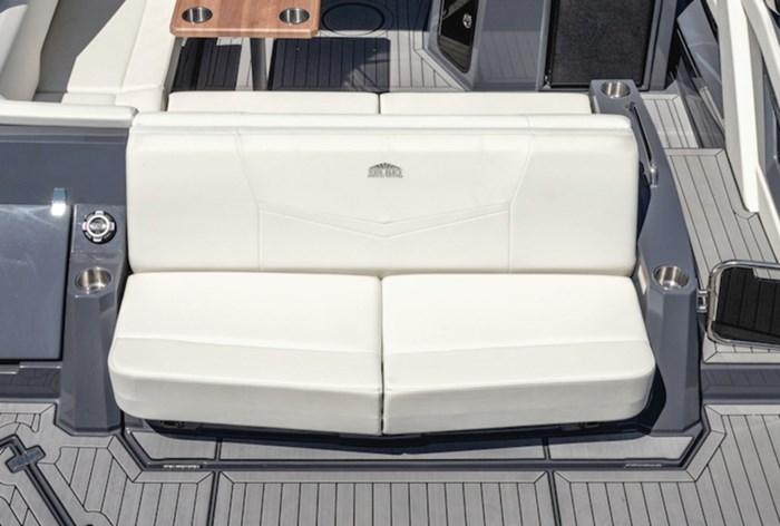 2022 Cruisers Yachts 338 Bowrider Photo 4 sur 14