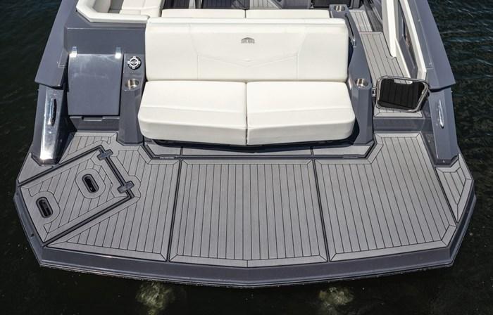 2022 Cruisers Yachts 338 Bowrider Photo 5 sur 14
