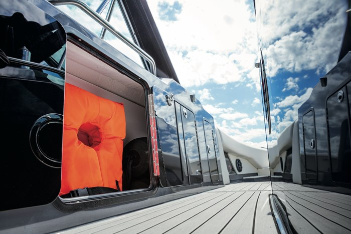 2022 Cruisers Yachts 338 Bowrider Photo 8 sur 14