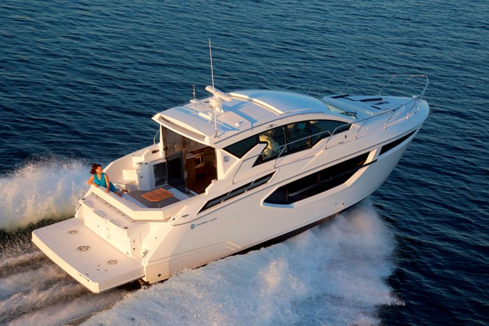 2022 Cruisers Yachts 42 Cantius Photo 1 sur 18