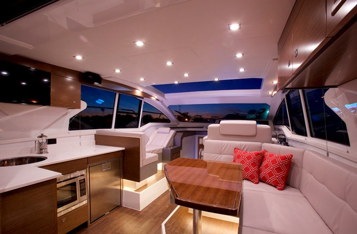 2022 Cruisers Yachts 42 Cantius Photo 3 sur 18