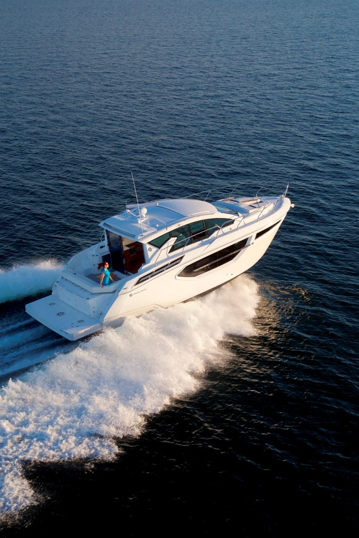 2022 Cruisers Yachts 42 Cantius Photo 4 sur 18