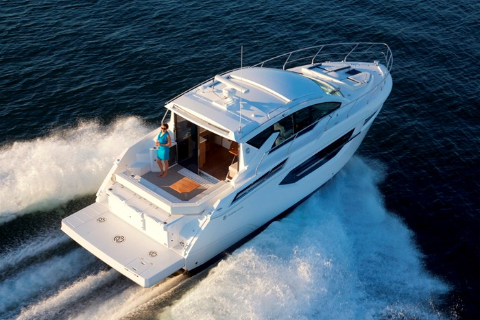 2022 Cruisers Yachts 42 Cantius Photo 5 sur 18