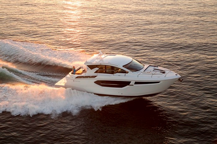 2022 Cruisers Yachts 42 Cantius Photo 6 sur 18
