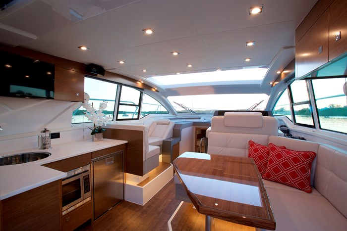 2022 Cruisers Yachts 42 Cantius Photo 11 sur 18