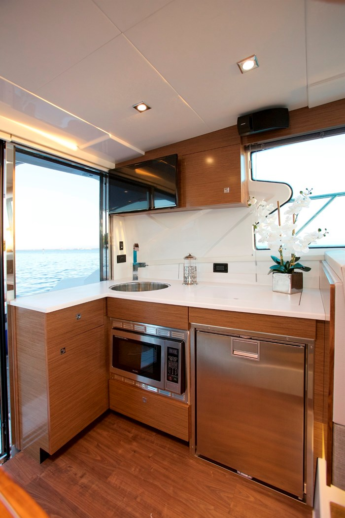 2022 Cruisers Yachts 42 Cantius Photo 12 sur 18