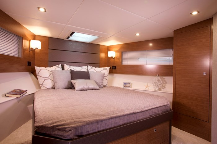 2022 Cruisers Yachts 42 Cantius Photo 13 sur 18