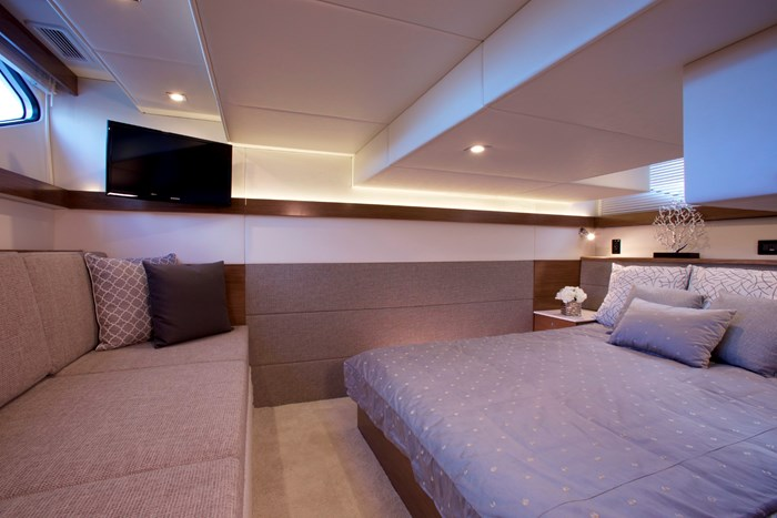 2022 Cruisers Yachts 42 Cantius Photo 14 sur 18
