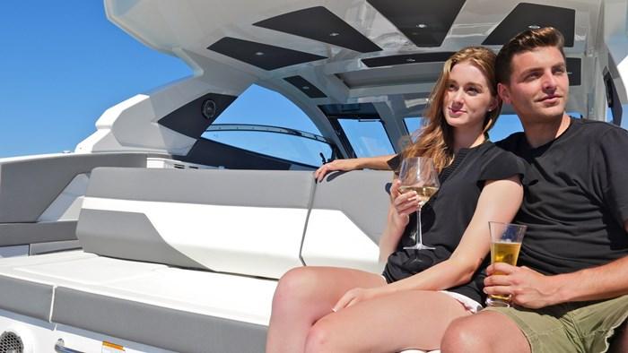 2022 Cruisers Yachts 42 GLS Photo 3 sur 38