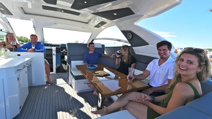 2022 Cruisers Yachts 42 GLS Photo 10 sur 38