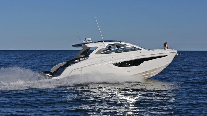 2022 Cruisers Yachts 42 GLS Photo 18 sur 38