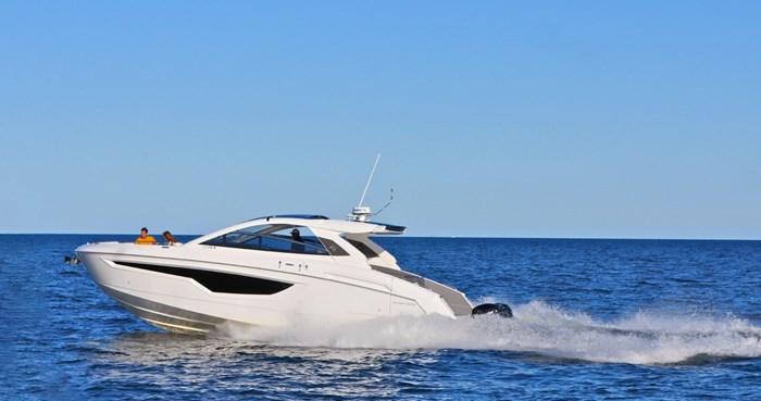 2022 Cruisers Yachts 42 GLS Photo 19 sur 38