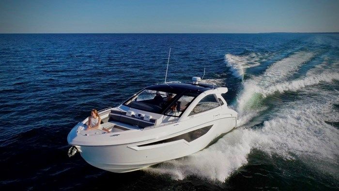 2022 Cruisers Yachts 42 GLS Photo 21 sur 38