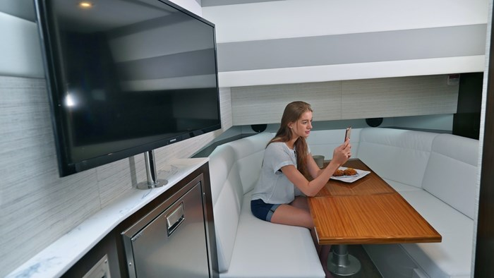 2022 Cruisers Yachts 42 GLS Photo 27 sur 38