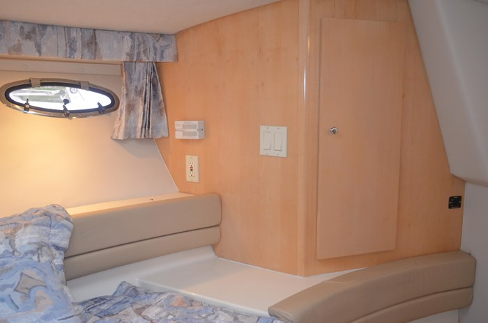 1997 Carver 320 Voyager Photo 40 of 52