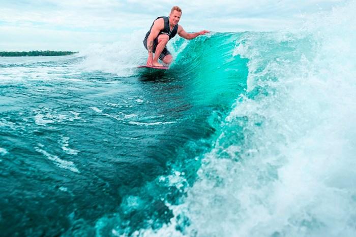 2022 Regal LS2 Surf Photo 2 of 49