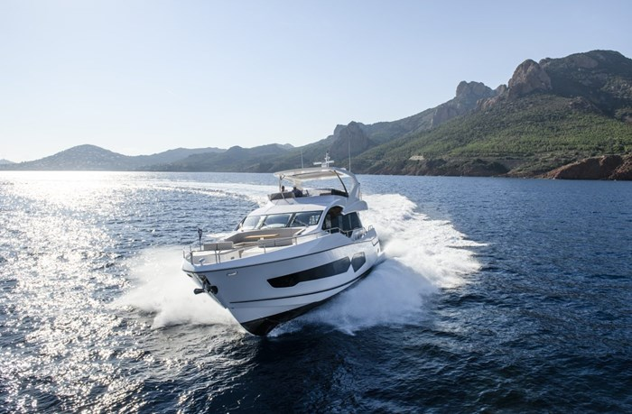 2021 Sunseeker 76 Yacht Photo 1 sur 22