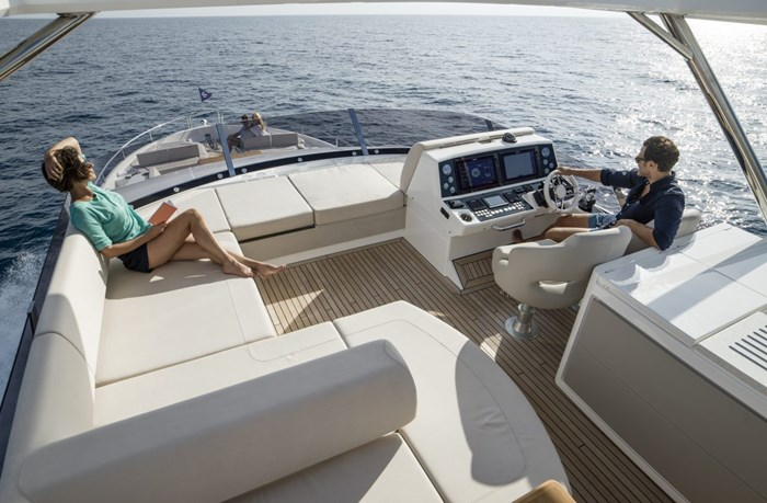 2021 Sunseeker 76 Yacht Photo 7 sur 22