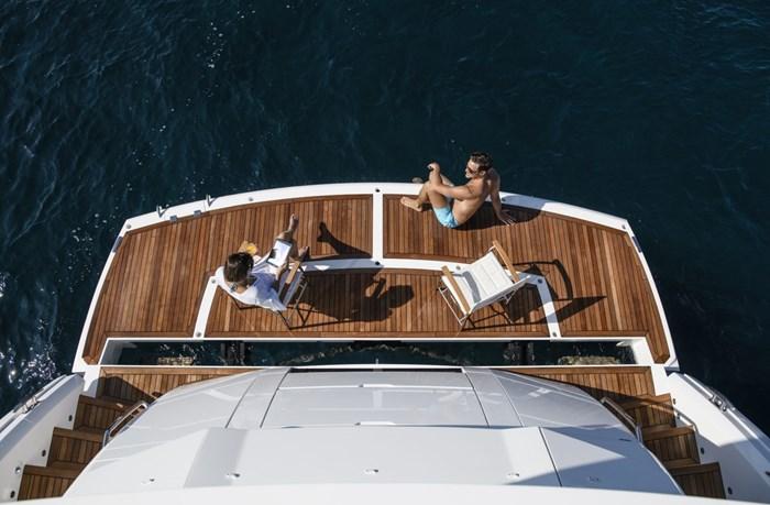 2021 Sunseeker 76 Yacht Photo 8 sur 22
