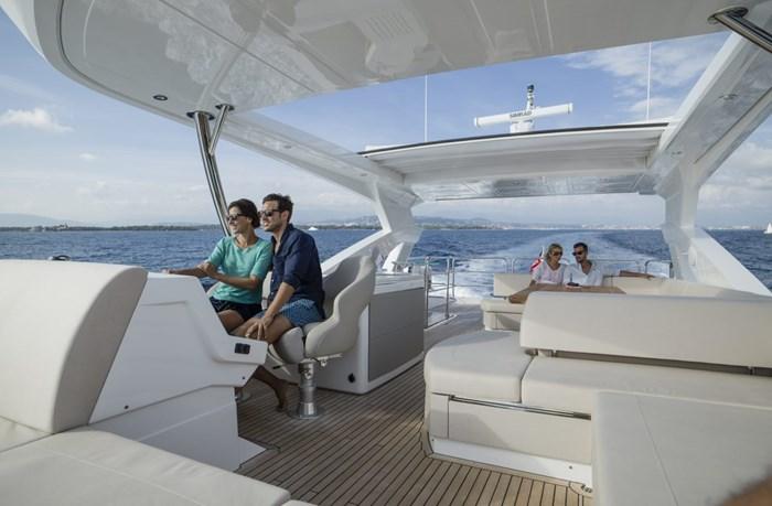2021 Sunseeker 76 Yacht Photo 9 sur 22