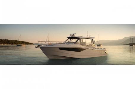 2021 Boston Whaler 405 Conquest Photo 2 sur 13