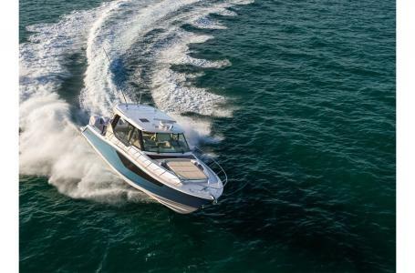 2021 Boston Whaler 405 Conquest Photo 8 sur 13