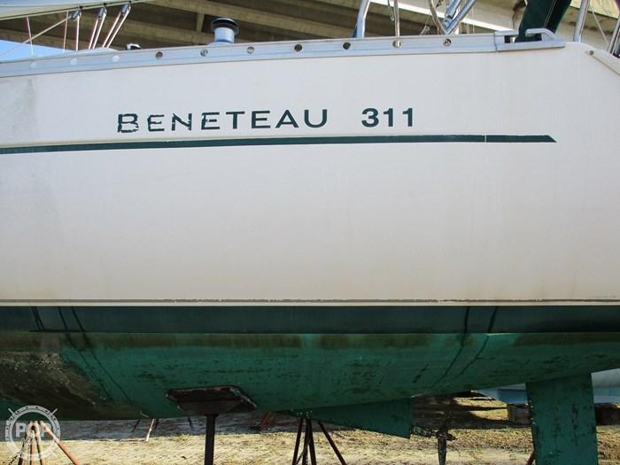 2000 Beneteau 311 Photo 4 sur 20