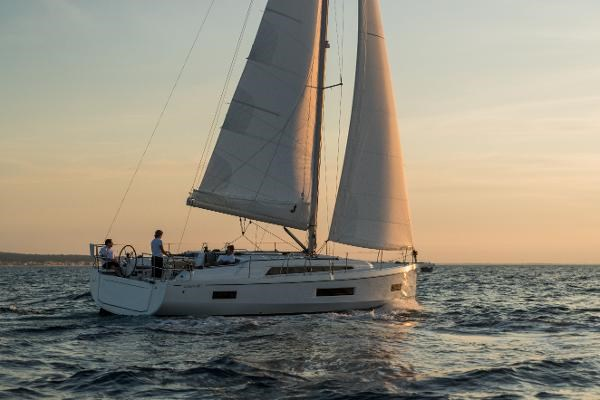 2021 Beneteau Oceanis 40.1 Photo 7 sur 16