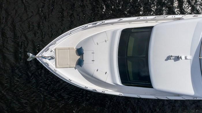 2012 Hatteras 80 Motor Yacht Photo 2 sur 31