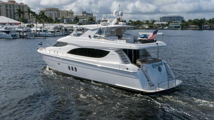 2012 Hatteras 80 Motor Yacht Photo 4 sur 31