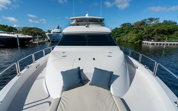 2012 Hatteras 80 Motor Yacht Photo 6 sur 31