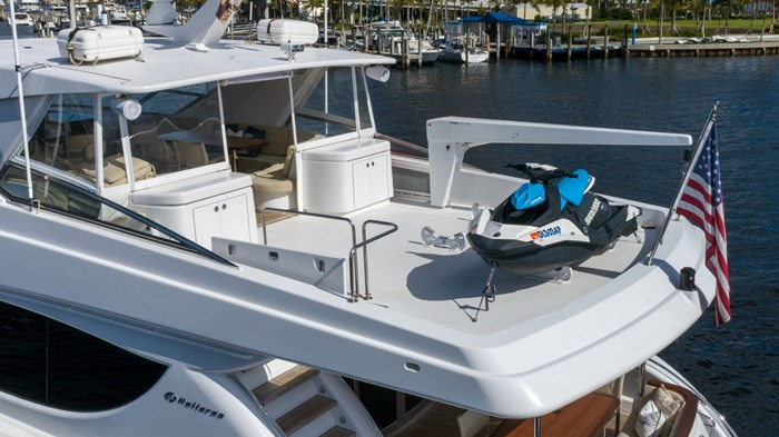 2012 Hatteras 80 Motor Yacht Photo 30 sur 31